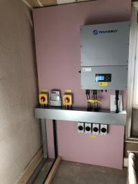 Commercial 3 phase invertor installation.