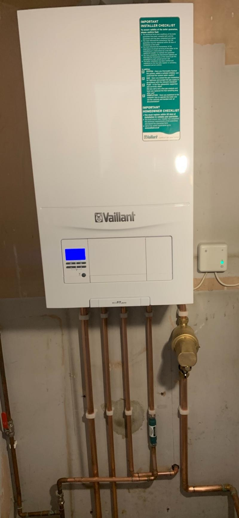 Vaillant Ecofit Pure 824 with Hive Smart Thermostat
