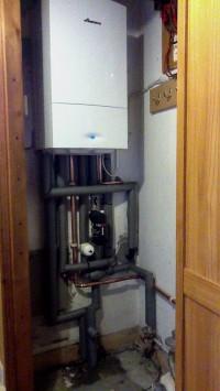 Worcester bosch insallation in a cupboard