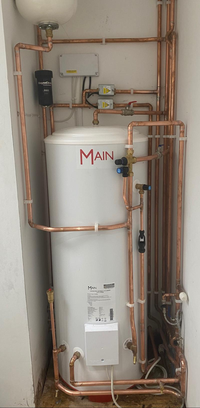 Main unvented cylinder install