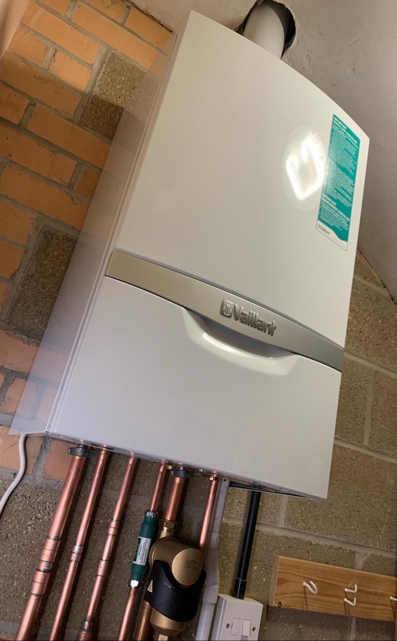 Vaillant Ecotec Plus 830 Combi Boiler